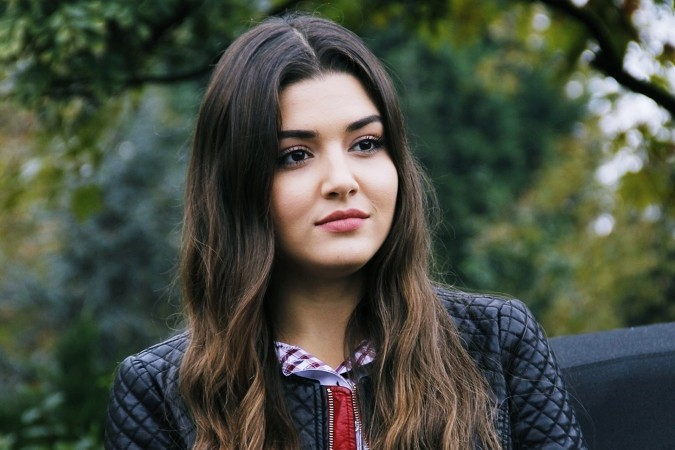 Hande Ercel Biography, net worth, height, family